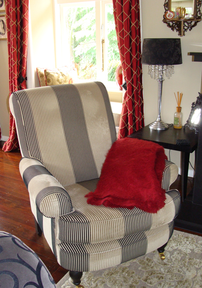 Autumn Red Mohair blankets add drama